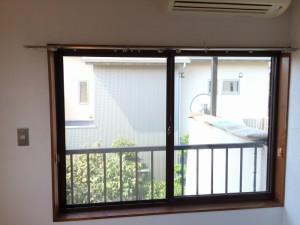 before 南面の2枚引戸の腰窓です