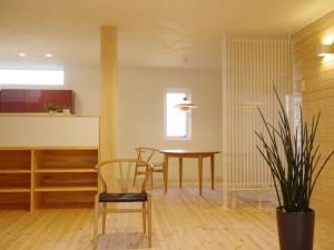 風のない冷暖房の家の標準仕様は、自然素材の「木と漆喰」