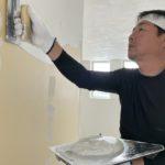 真っ白な漆喰 in 北堀の家