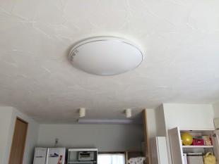 「コテムラ」仕上げ。天井の様子です。ランダムで自然な仕上がりです